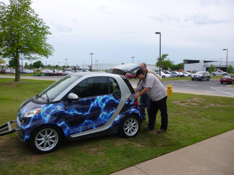 Electric car with students