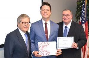 Joseph Mason recieves Food Pantry award